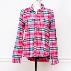 Hollister plaid long sleeves shirt, size M